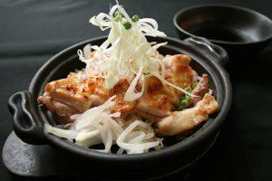 阿波尾鶏陶板焼
